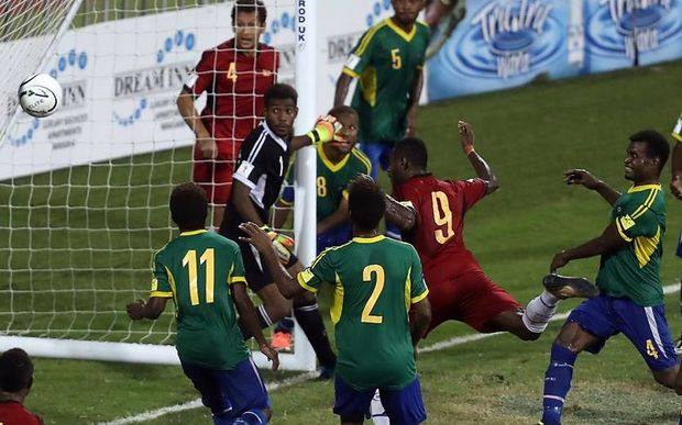 PNG'S Nigel Dabingyaba scores the winning goal vs Solomon Islands. 2016 OFC Nations Cup semi.