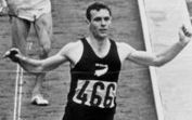 Peter Snell competing at the Tokyo Olympics in 1964.