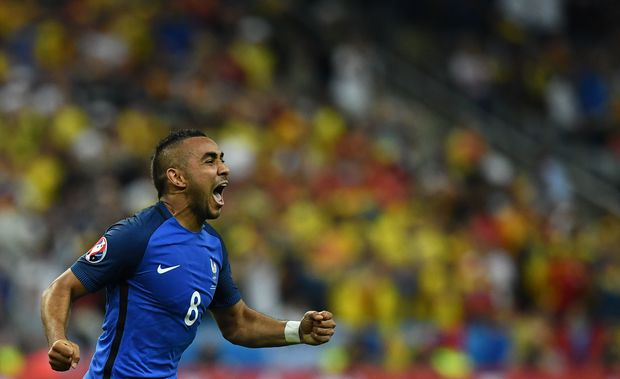 France's Dimitri Payet celebtrates his goal against Romania at Euro 2016.