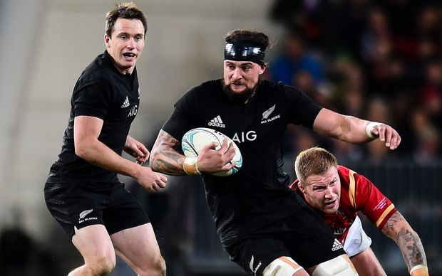 Elliot Dixon in action for the All Blacks 2016.