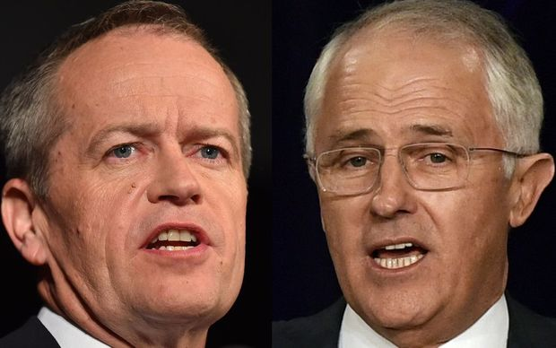 Labor leader Bill Shorten and Prime Minister Malcolm Turnbull (R)