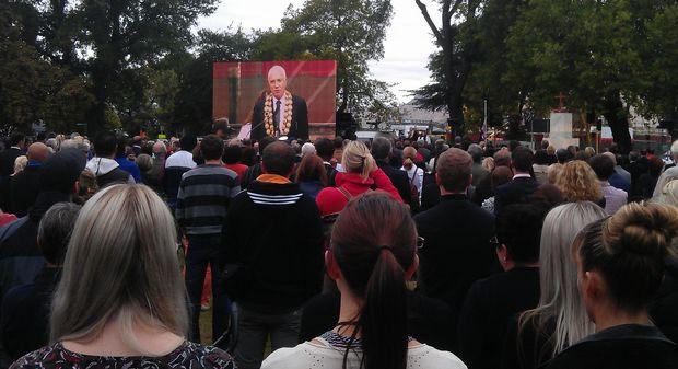 Christchurch mayor Bob Parker addresses the service.