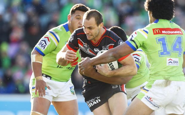 Simon Mannering in action for the Warriors.