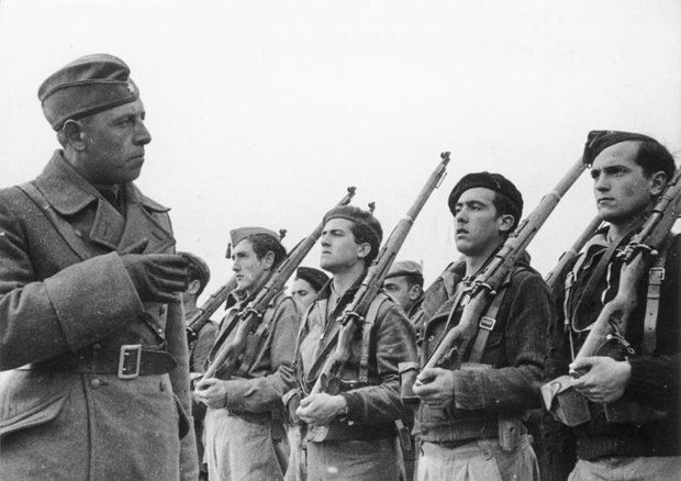 Members of the Condor Legion, a unit composed of volunteers from the German Air Force (Luftwaffe) and from the German Army (Heer), during the Spanish Revolution.