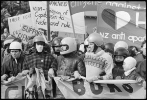 Anti Springbok tour protesters in Hamilton, 1981. Photo by Phil Reid.