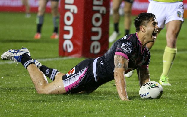 Shaun Johnson scores the golden point.