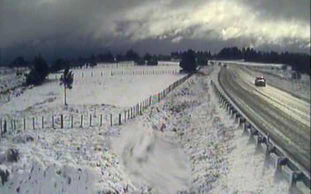 Snow blankets the road at Waiouru on Sunday.