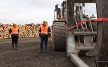 CentrePort chief executive Derek Nind and Transport Minister Simon Bridges at the Waingawa log hub.
