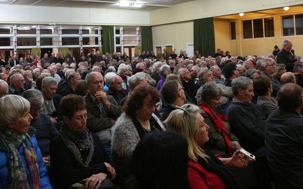 Katikati residents crowded the town hall for a meeting about the state highway running through the town.