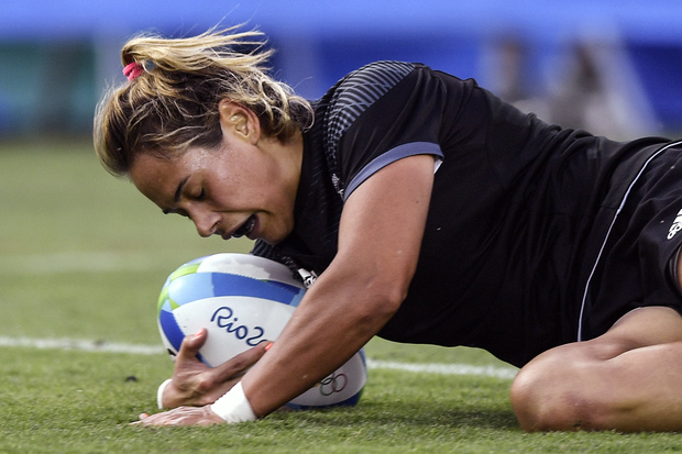Kayla McAlister crosses the line for the New Zealand women's Sevens team at the Rio Olympics.