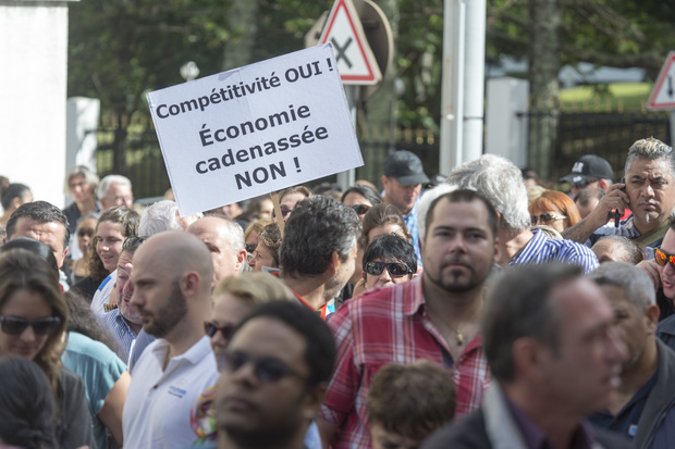 New Caledonian employees rally against tax reform