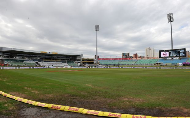 The first cricket Test between South Africa and New Zealand has ended in a draw at Kingsmead due to wet conditions.