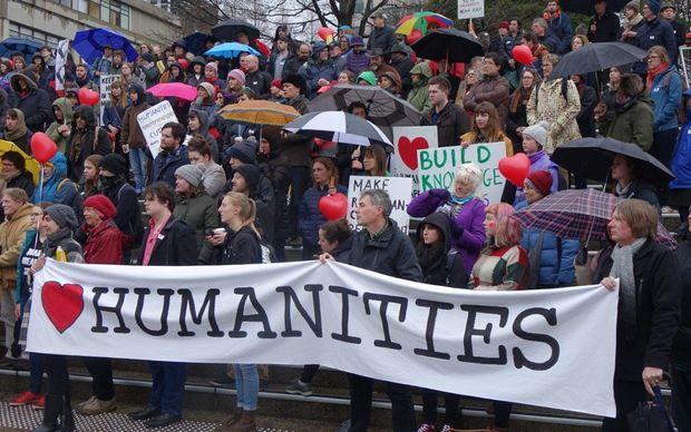 Otago Uni confirms humanities job cuts | RNZ News