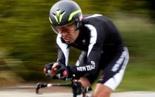 Para-cyclist Fraser Sharp has been added to the New Zealand team for the Rio Paralympics.