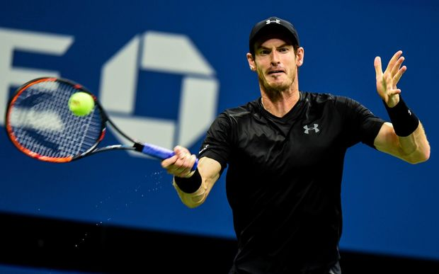 Andy Murray has easily advanced to the third round.