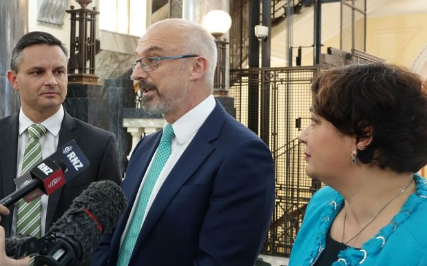 Kevin Hague (centre) flanked by Green Party co-leaders Metiria Turei and James Shaw.