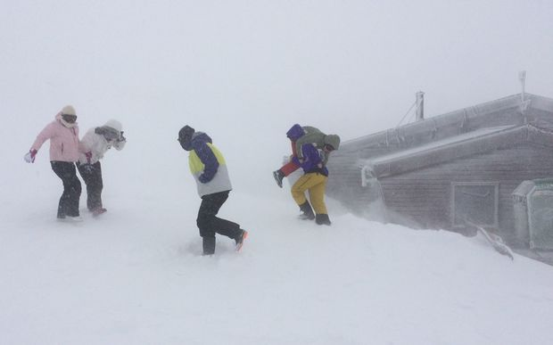 Students from Wellington High are among 80 people snowed in on Mount Ruapehu's Tukino ski field.