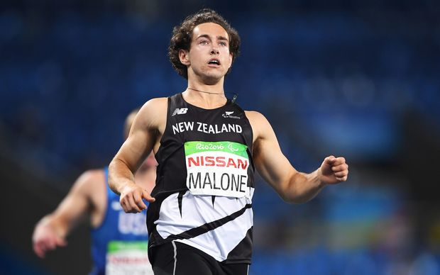 Liam Malone wins gold in the 200m T44 at the 2016 Paralympic Games.