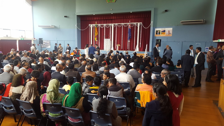 Auckland's Sri Lankan community turned out to the Mt Albert Memorial Hall to see Mr Wickremesinghe when he paid them a visit on Saturday.
