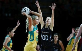 Katrina Grant competes against Caitlin Thwaites in the 2016 Constellation Cup.