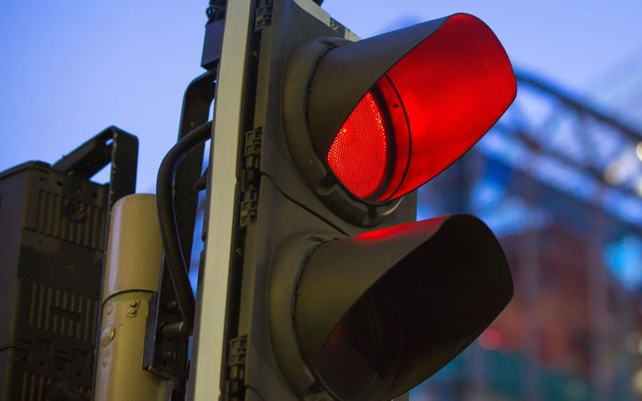Traffic light system 'confusing', 'slow', 'rushed', 'risky' - politicians