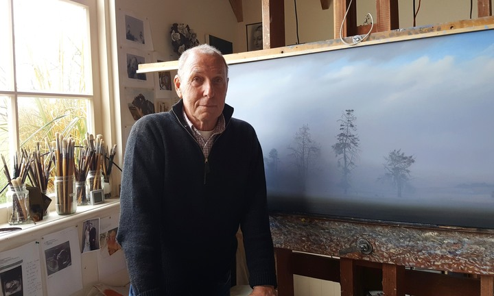 Grahame Sydney in his studio