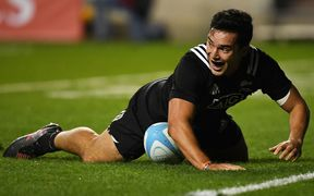 James Lowe scores for the Maori All Blacks at Soldier Field, 2016.