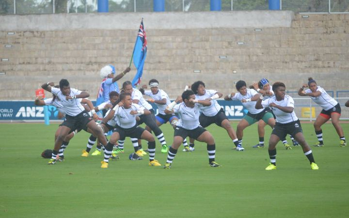 The Fijiana 15s lay down a challenge to PNG pre-match.