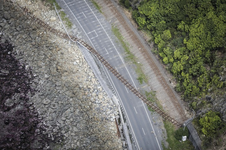 Coastal Road to Kaikoura - rail road cuts through state highway 1
