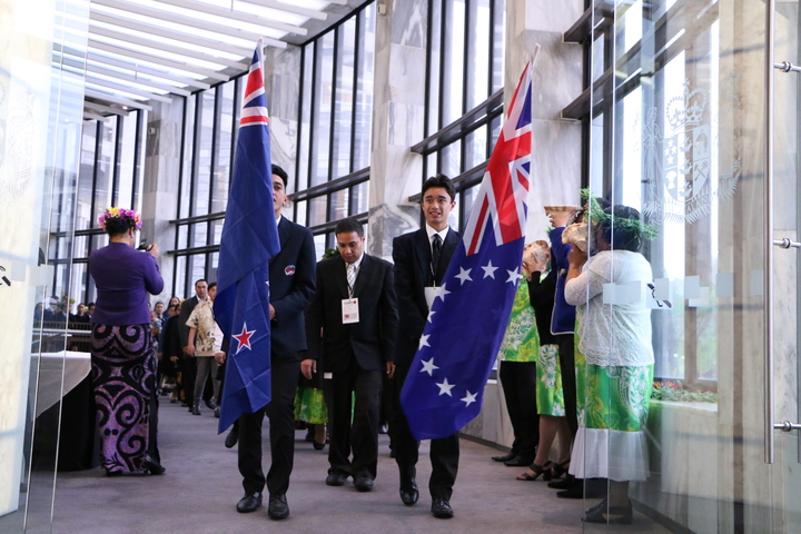 Descendants of 45 Cook Island soldiers who enlisted in the First World War commemorate their tupuna (ancestors) by re-enacting their arrival at Parliament.