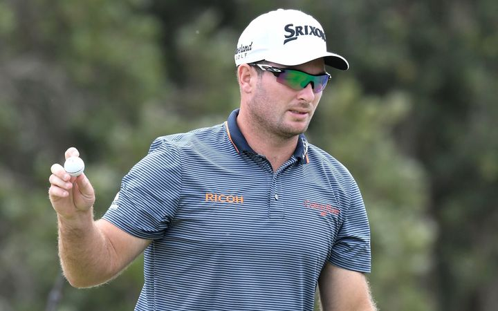 Ogilvy leads Australian Open by 2 shots after round 3
