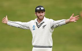 The Black Caps have gone wicketless in the opening session on day five of the second test against Pakistan.
