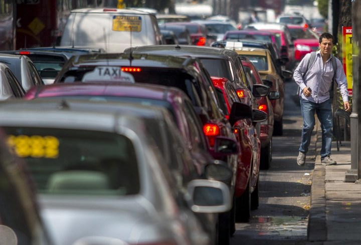 Heavy traffic is seen in Mexico City.
