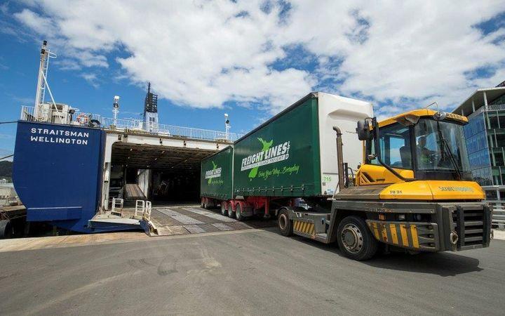 Aussies buy NZ transport companies | RNZ News