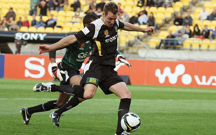 Shane Smeltz in action for the Phoenix back in 2008.