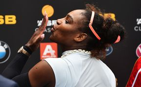 Serena Williams blows a kiss to the crowd following her 1st round win at the ASB Classic.