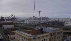 The Seabourn Encore has come free of its moorings at the Port of Timaru.