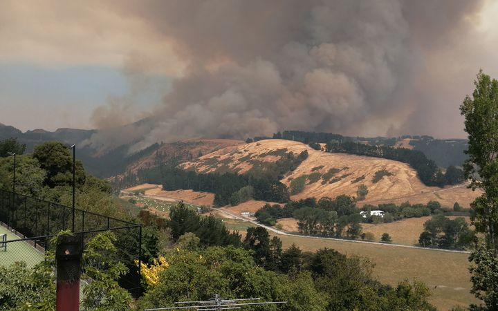 The fire burns near Worsley Valley in the Port Hills in Christchurch on Thursday 16 February.