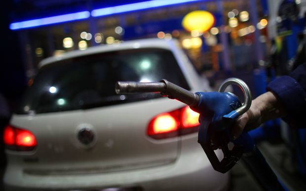 Inquiry finds Kiwi petrol pump prices may not be reasonable
