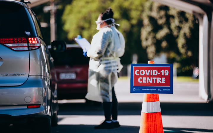 Many Covid 19 Testing Centres Closing Down Rnz News