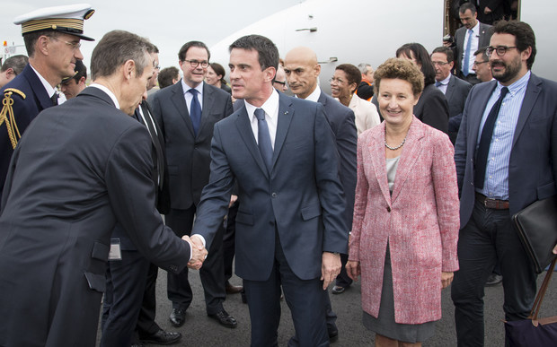 French Prime Minister Manuel Valls arrives in New Zealand.
