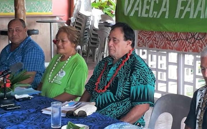 Samoa First Leader, Unasa Iuni Sapolu, (middle), and SNDP party leader and former MP, Valasi Togamaga Tafito (2nd from right)