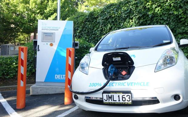 A car charges at a Dunedin charging station.