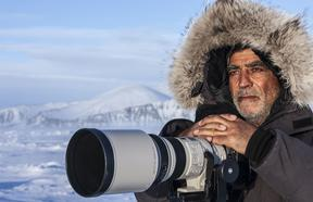 Israeli wildlife photographer Amos Nachoum.
