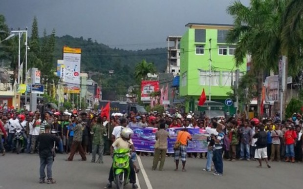 West Papuans demonstrate in Jayapura, 16 April 2016.