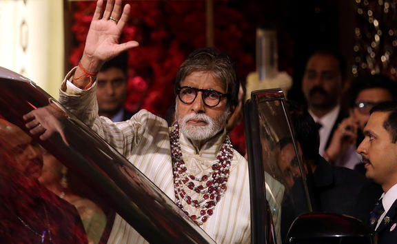 FILE PHOTO: File picture of Bollywood actor Amitabh Bachchan waving to fans in Mumbai, India, December 13, 2018. REUTERS/Francis Mascarenhas/File Photo