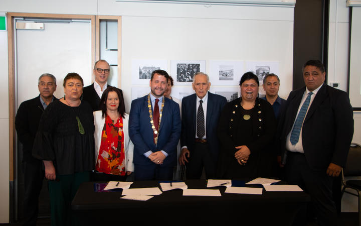 Representatives from Te Atiawa, Hutt City Council, Kahungunu Whānau Services signed a partnership to get more Māori into housing