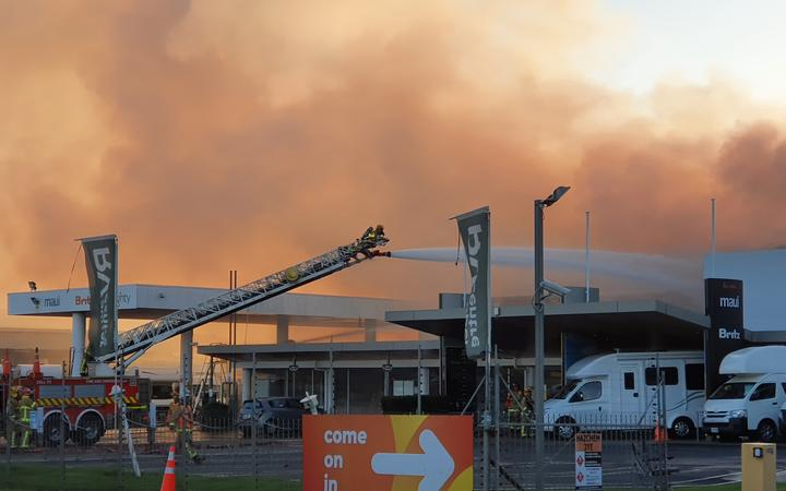 A fire has broken out at a Maui campervan rental facility in Māngere, South Auckland.