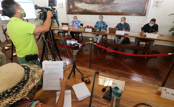 Media briefing in Tahiti