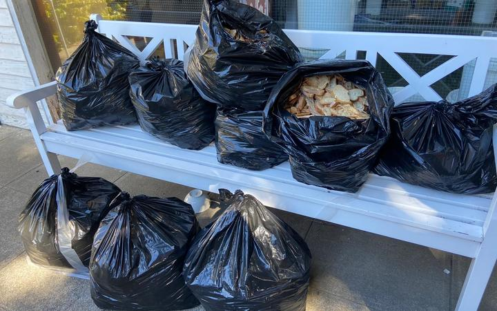 Bags of bread found around trapping sites in Wellington